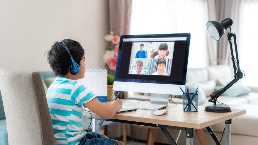 Dengan Adanya Sistem Pembelajaran Online, Apakah Sekolah Masih Diperlukan? Image